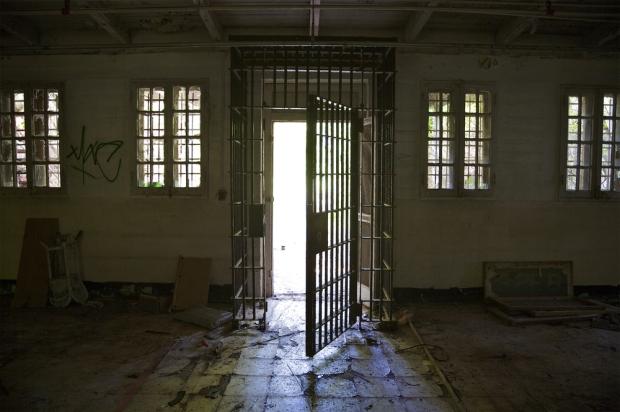 prison-doors-open-10-24-16